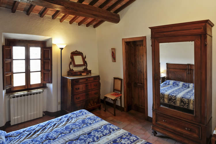 una habitacin de la casa rural agroturismo en san gimignano toscana italia