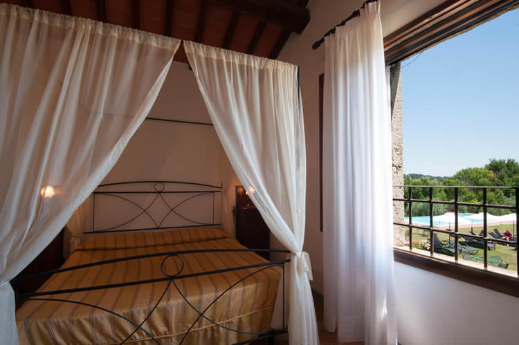 b&b rooms & apartements in farmhouse San Gimignano, Tuscany